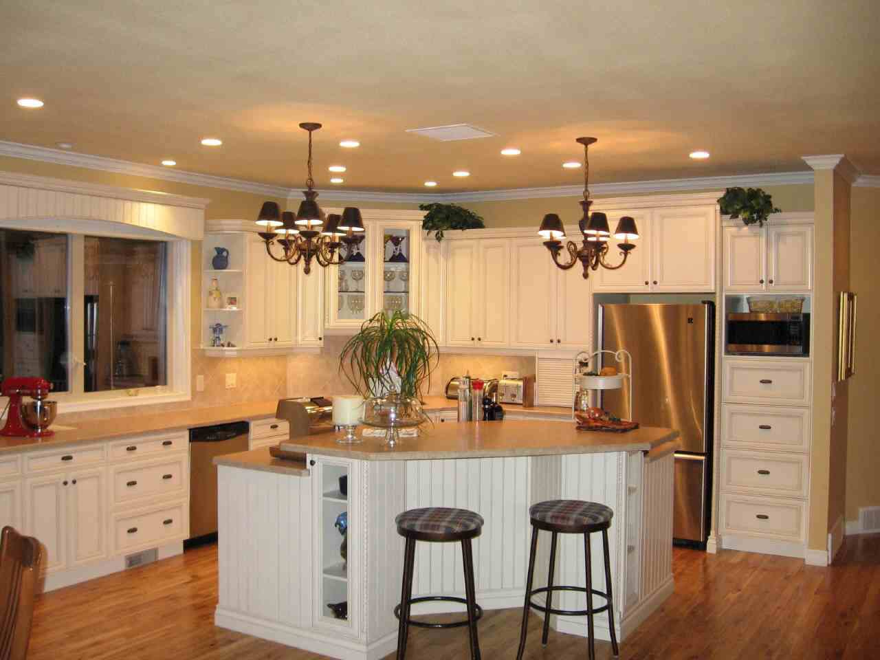 modish-white-kitchen-interior